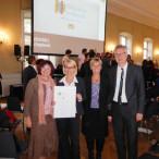 Miteinander-Preis 2016 - Christa Naaß mit den Preisträgern aus Mittelfranken