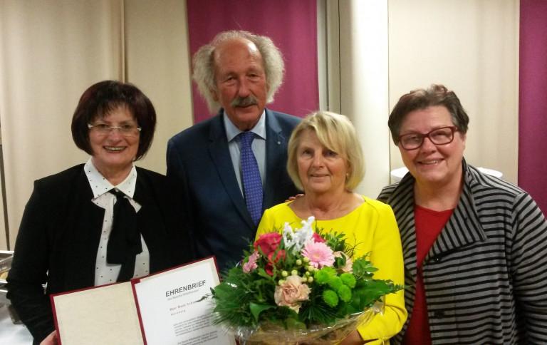 Verleihung des Ehrenbriefs des Bezirks Mittelfranken an Horst Schmidbauer